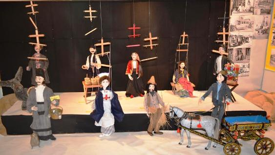 1aaa-marionettes2